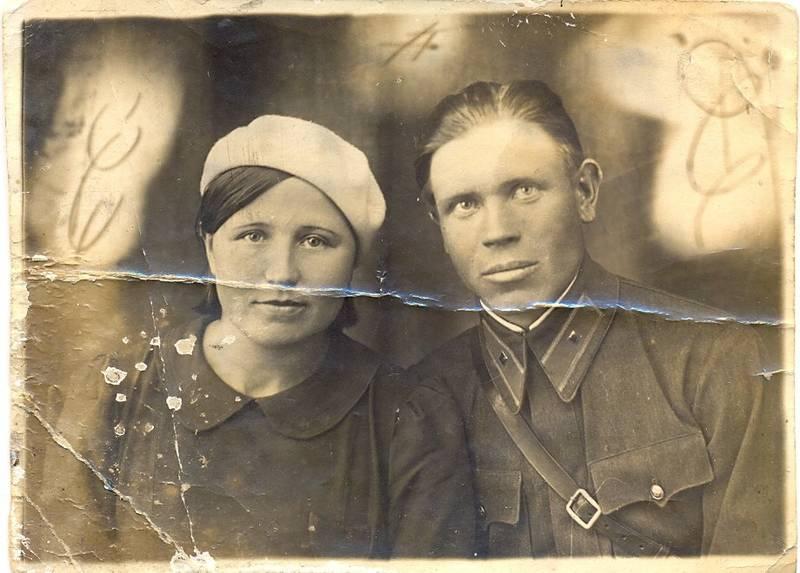 С женой Комаровой Александрой Алексеевной.jpg